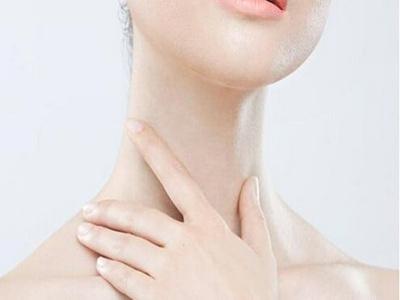 白斑白癜风患上时有哪些症状?